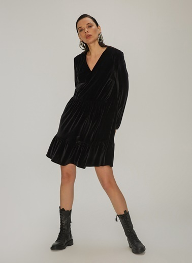 NGSTYLE Örme Kadife Balon Kollu Elbise Siyah